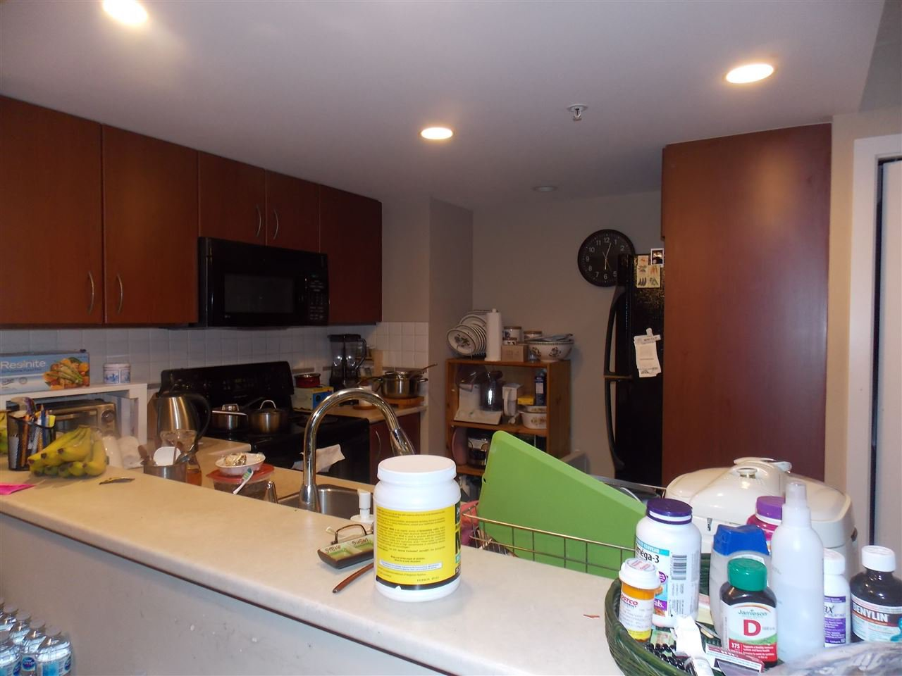"""Photo 5: Photos: 206 235 GUILDFORD Way in Port Moody: North Shore Pt Moody Condo for sale in """"THE SINCLAIR"""" : MLS®# R2512099"""