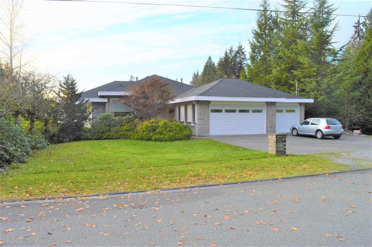 Main Photo: 12431 263 Street in Maple Ridge: Websters Corners House for sale : MLS®# R2524375