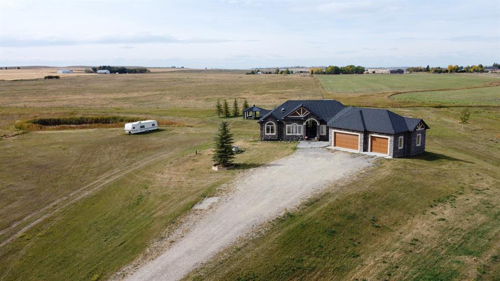Main Photo: 275051 106 Street E: Rural Foothills County Detached for sale : MLS®# A1055049