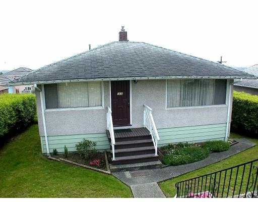 Main Photo: 1870 E 63RD AV in Vancouver: Fraserview VE House for sale (Vancouver East)  : MLS®# V536947