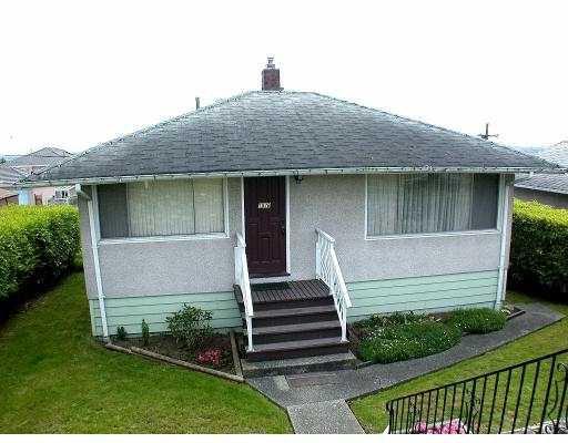 Main Photo: 1870 E 63RD AV in Vancouver: Fraserview VE House for sale (Vancouver East)  : MLS®# V536947