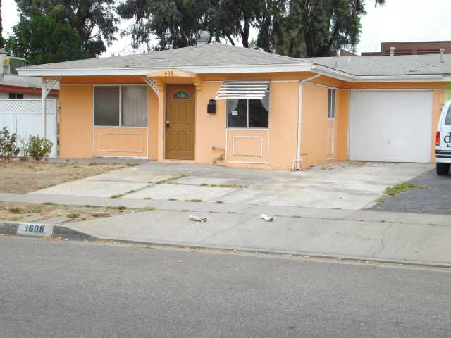 Photo 1: Photos: EAST ESCONDIDO House for sale : 2 bedrooms : 1608 Cherry Place in Escondido