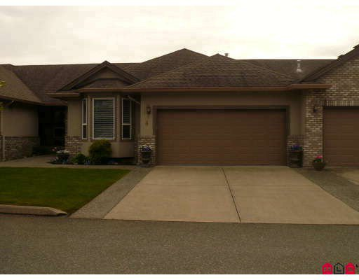 """Main Photo: 4 2525 YALE Court in Abbotsford: Abbotsford East Townhouse for sale in """"YALE COURT"""" : MLS®# F2910420"""