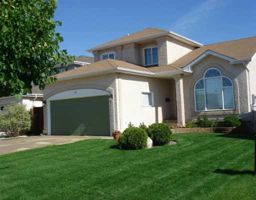Main Photo: 38 HIGH RIDGE Road in WINNIPEG: Windsor Park / Southdale / Island Lakes Residential for sale (South East Winnipeg)  : MLS®# 2913241