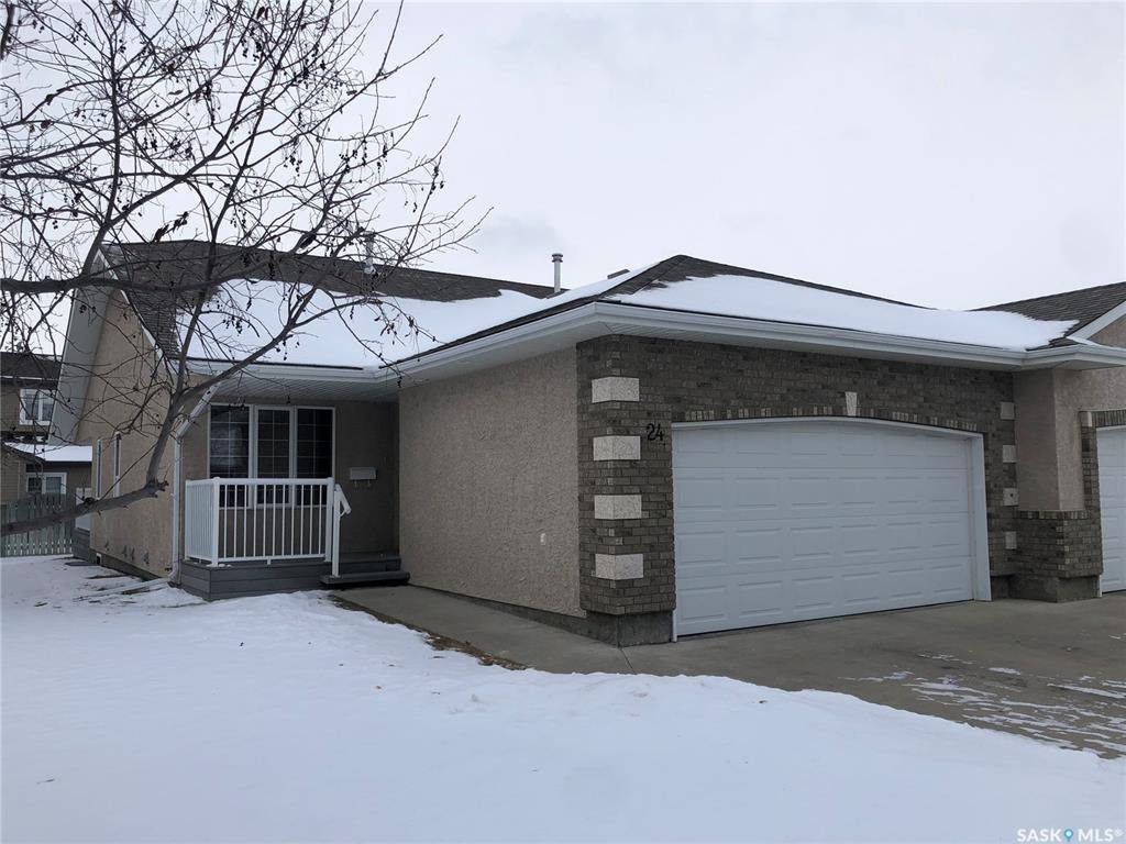 Main Photo: 24 Crystal Villa in Warman: Residential for sale : MLS®# SK803206