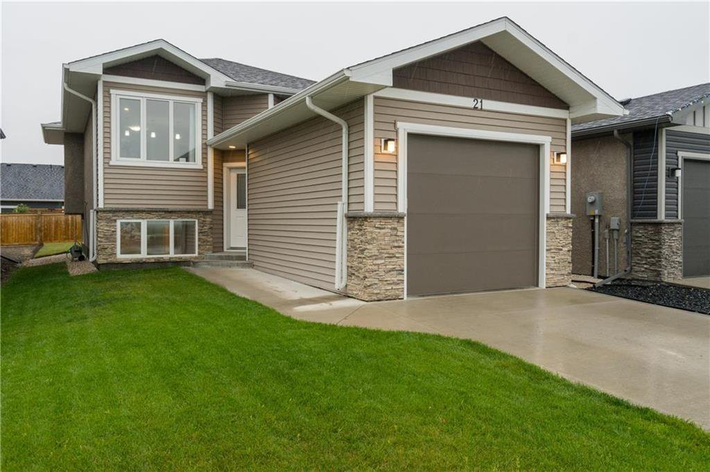 Main Photo: 21 Briarfield Court in Niverville: Fifth Avenue Estates Residential for sale (R07)  : MLS®# 202020755