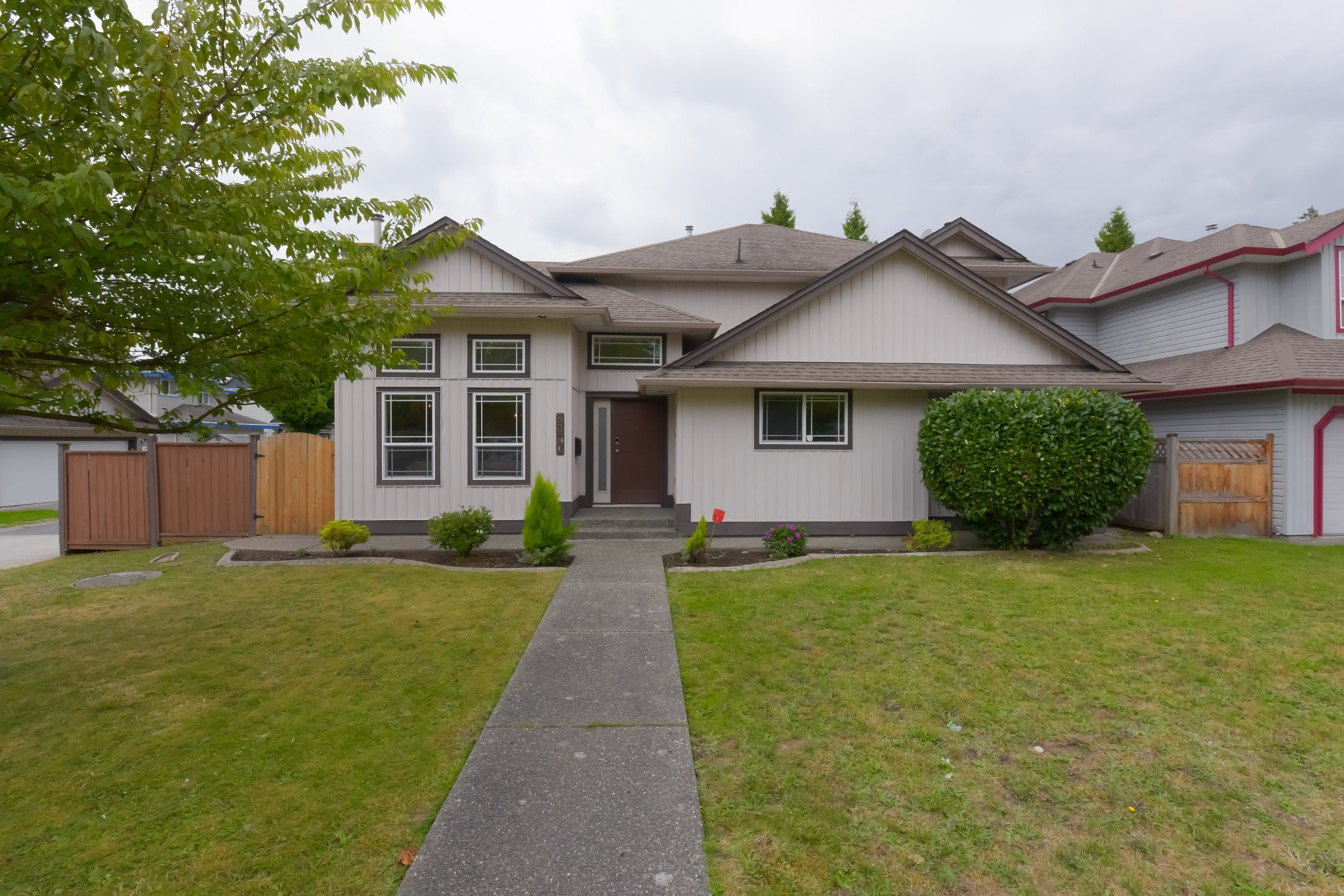 Main Photo: 8377 158 Street in Surrey: Fleetwood Tynehead House for sale