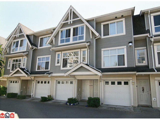 "Main Photo: 28 6450 199TH Street in Langley: Willoughby Heights Townhouse for sale in ""LOGANS LANDING"" : MLS®# F1019917"