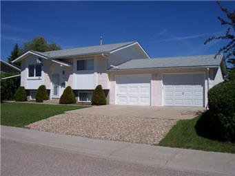 Main Photo: 405 3RD St N: Martensville Single Family Dwelling for sale (Saskatoon NW)  : MLS®# 378278