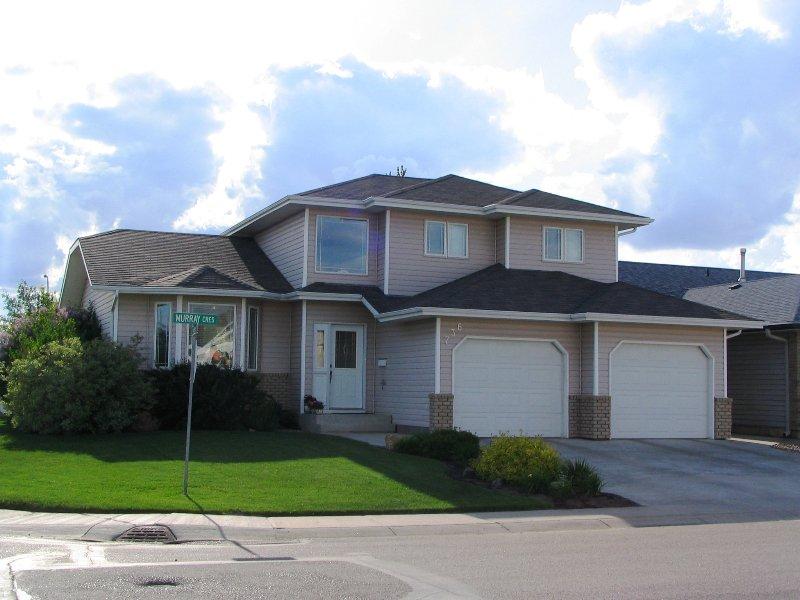 Main Photo: 736 MURRAY Crescent in WARMAN: Saskatoon NW (Other) Single Family Dwelling for sale (Saskatoon NW)  : MLS®# 314214