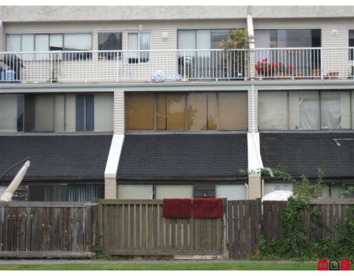 """Main Photo: 38 17706 60TH Avenue in Surrey: Cloverdale BC Townhouse for sale in """"CLOVER PARK GARDENS"""" (Cloverdale)  : MLS®# F2828698"""