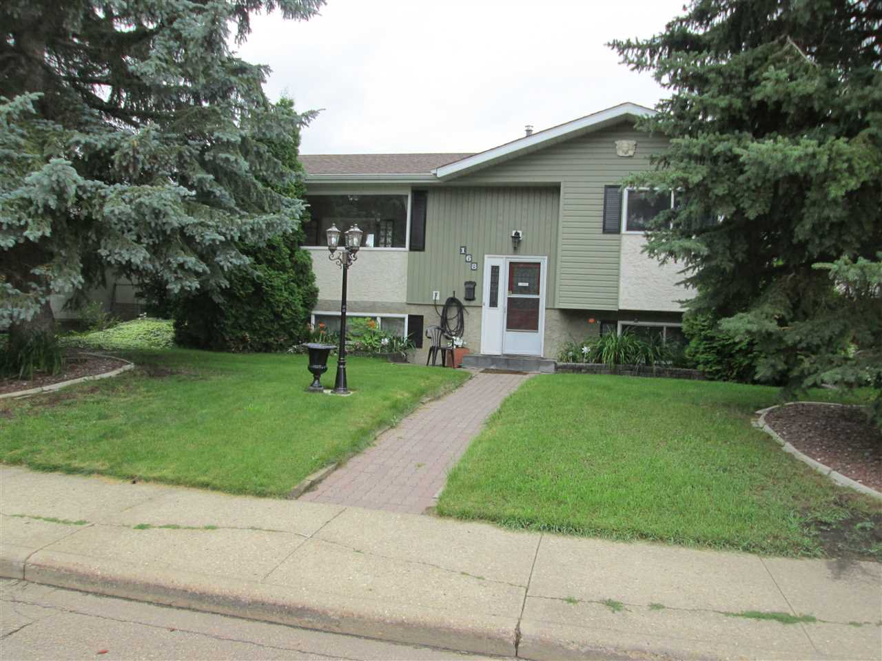 Main Photo: 168 CLAREVIEW Road in Edmonton: Zone 35 House for sale : MLS®# E4166296