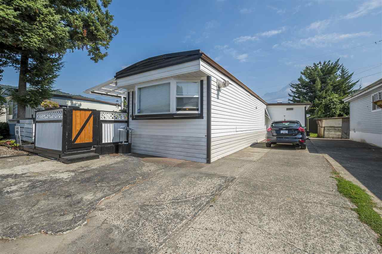 Main Photo: 16 6900 INKMAN ROAD: Agassiz Manufactured Home for sale : MLS®# R2397284