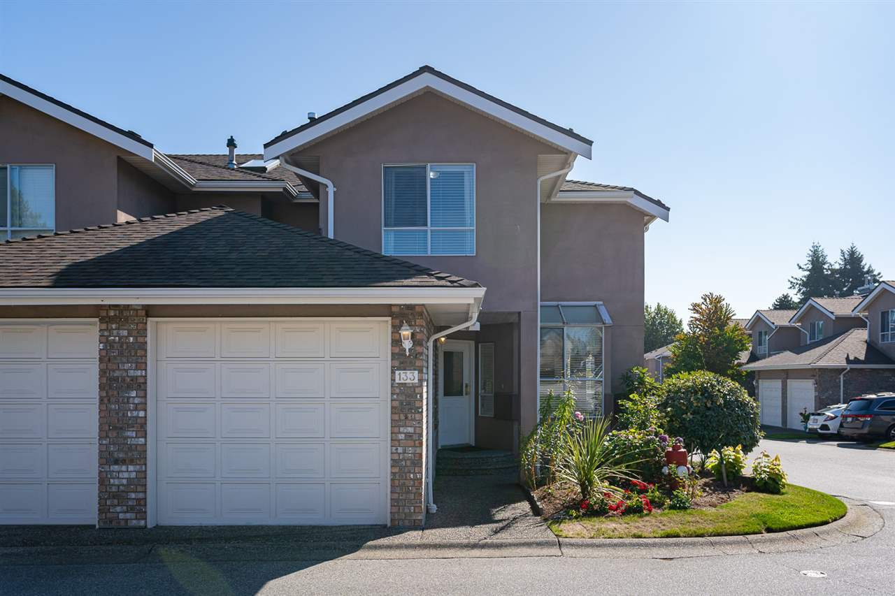 """Main Photo: 133 15550 26 Avenue in Surrey: King George Corridor Townhouse for sale in """"Sunnyside Gate"""" (South Surrey White Rock)  : MLS®# R2400272"""
