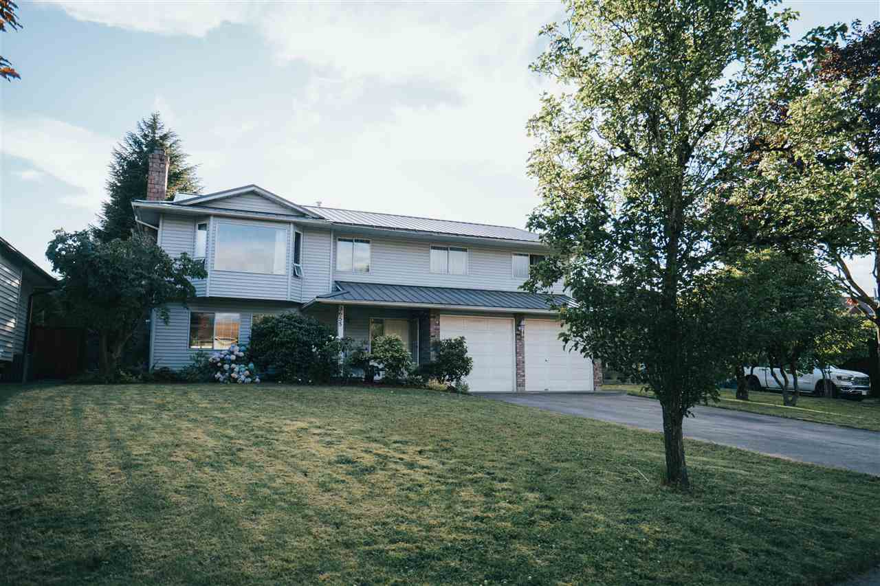 Main Photo: 3655 FIFE Place in Abbotsford: Central Abbotsford House for sale : MLS®# R2479390