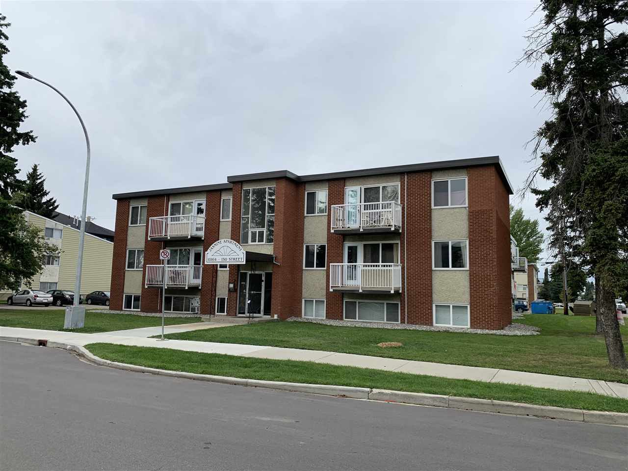 Main Photo: 15 10164 150 Street in Edmonton: Zone 21 Condo for sale : MLS®# E4213498