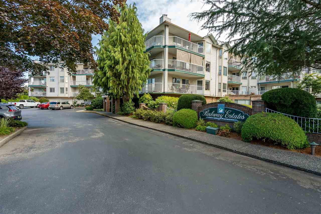 """Main Photo: 308 5360 205 Street in Langley: Langley City Condo for sale in """"Parkway Estates"""" : MLS®# R2496597"""