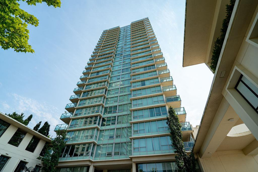Main Photo: 402 2232 DOUGLAS ROAD in Burnaby: Brentwood Park Condo for sale (Burnaby North)  : MLS®# R2495564