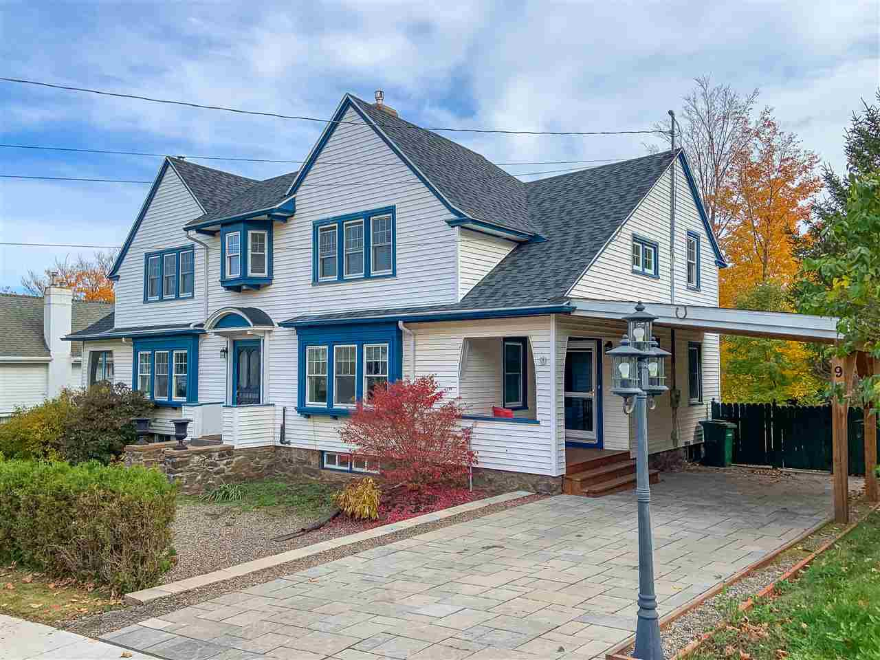 Main Photo: 9 Seaview Avenue in Wolfville: 404-Kings County Residential for sale (Annapolis Valley)  : MLS®# 202022826