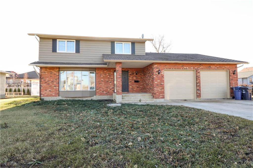 Main Photo: 760 Knowles Avenue in Winnipeg: Algonquin Estates Residential for sale (3H)  : MLS®# 202027355