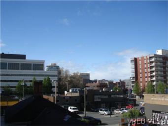 Main Photo: 310 827 North Park Street in VICTORIA: Vi Central Park Condo Apartment for sale (Victoria)  : MLS®# 282270