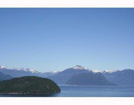 """Main Photo: 8737 SEASCAPE Drive in West_Vancouver: Howe Sound Townhouse for sale in """"SEASCAPES"""" (West Vancouver)  : MLS®# V775270"""