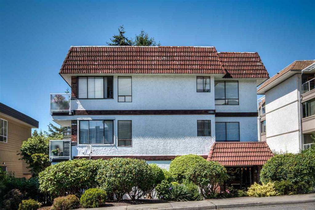 "Main Photo: 301 1331 FOSTER Street: White Rock Condo for sale in ""KENT MAYFAIR"" (South Surrey White Rock)  : MLS®# R2408938"