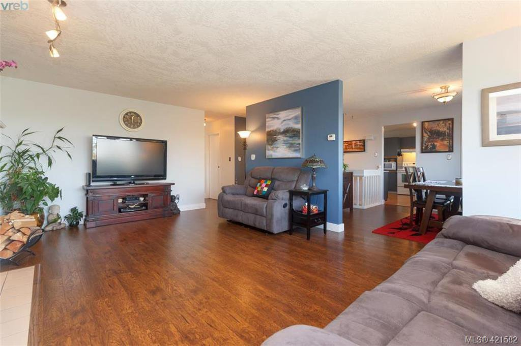 Photo 6: Photos: 6648 Rey Road in VICTORIA: CS Tanner Single Family Detached for sale (Central Saanich)  : MLS®# 421582