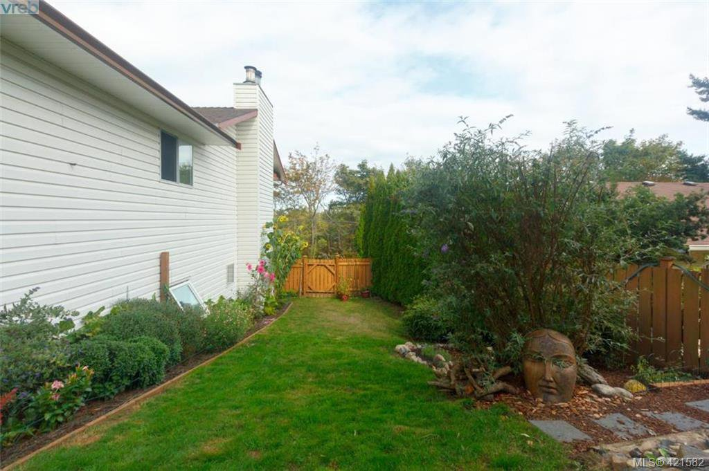 Photo 32: Photos: 6648 Rey Road in VICTORIA: CS Tanner Single Family Detached for sale (Central Saanich)  : MLS®# 421582