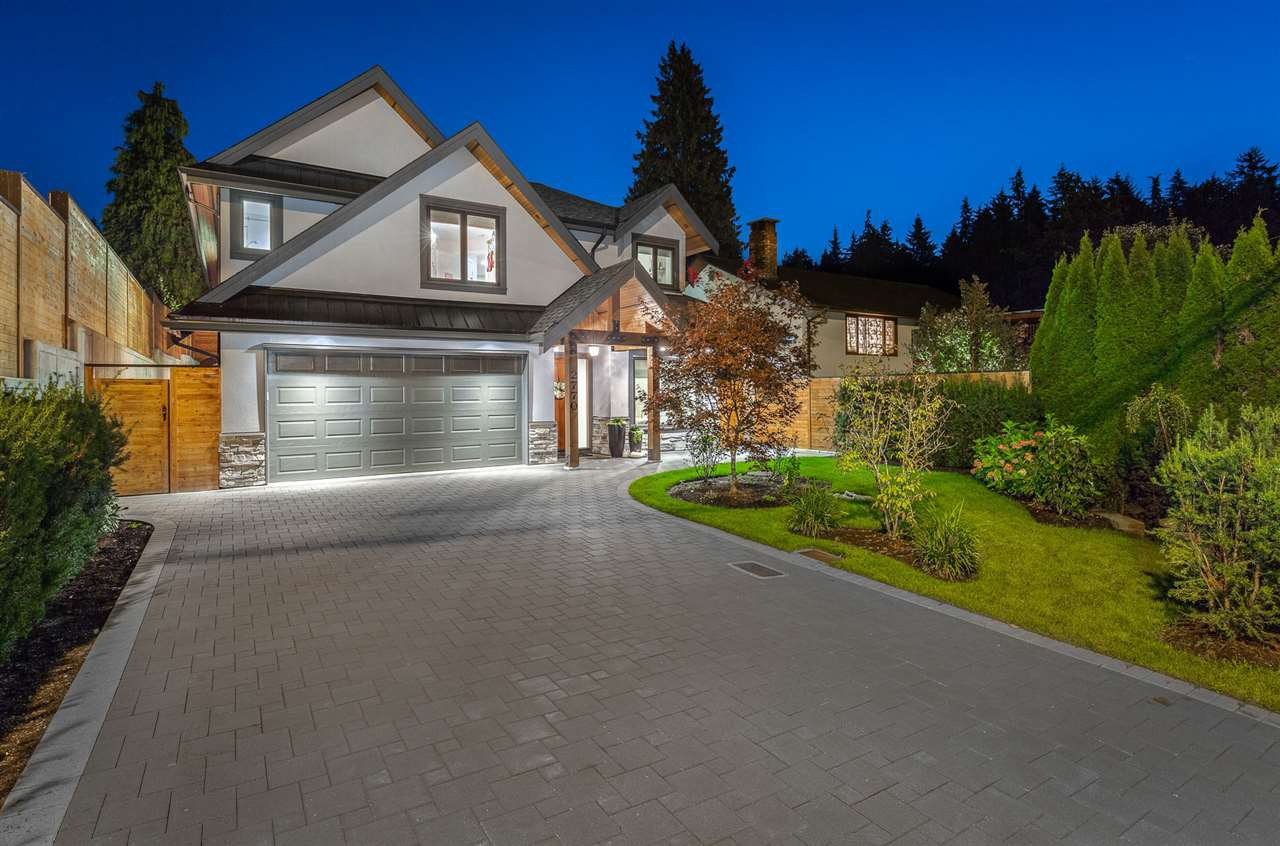 Photo 2: Photos: 2770 PHILIP Avenue in North Vancouver: Capilano NV House for sale : MLS®# R2459326