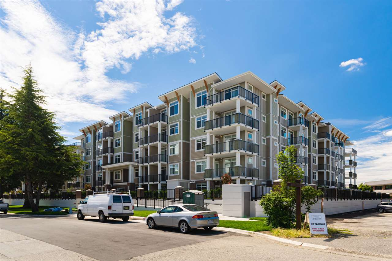 Main Photo: 119 20686 EASTLEIGH Crescent in Langley: Langley City Condo for sale : MLS®# R2479754
