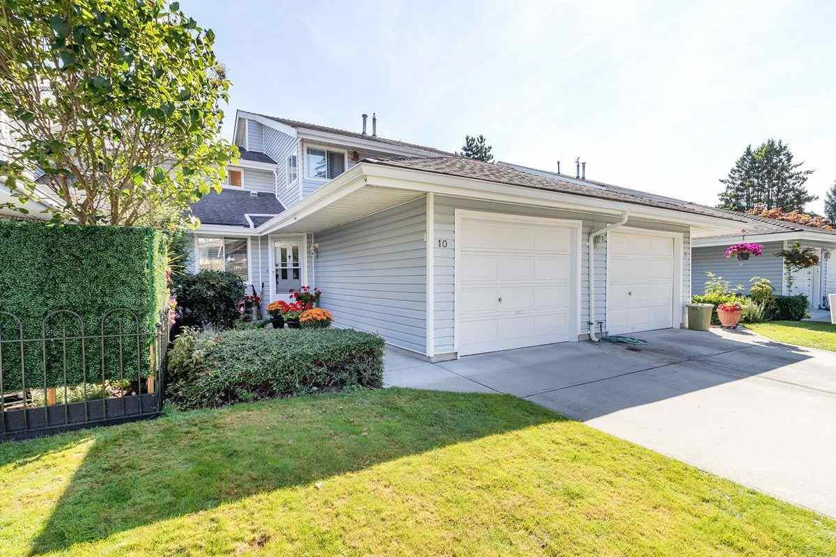 "Main Photo: 10 1190 FALCON Drive in Coquitlam: Eagle Ridge CQ Townhouse for sale in ""FALCON TERRACE"" : MLS®# R2494945"