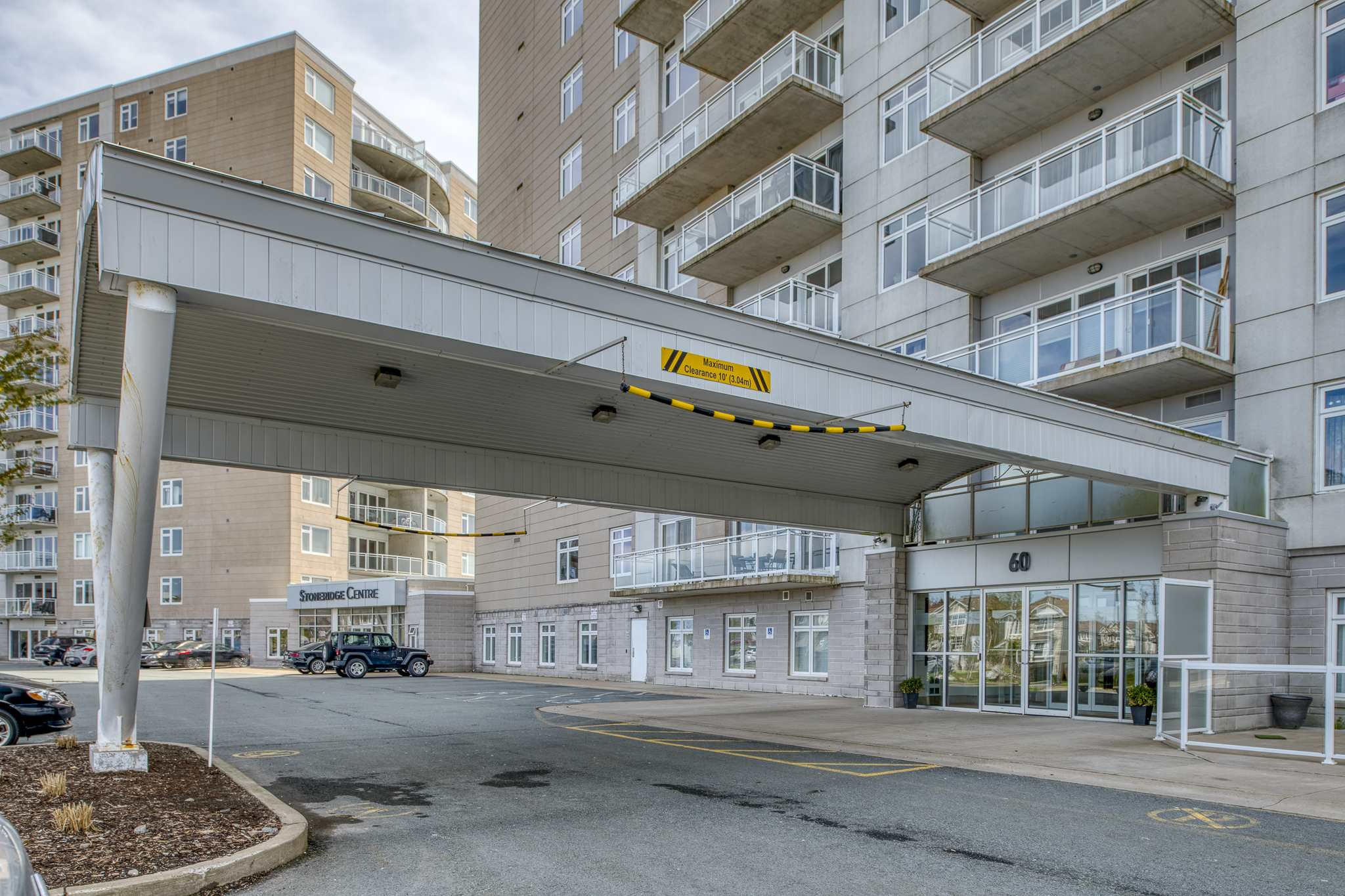 Main Photo: 908 60 Walter Havill Drive in Halifax: 8-Armdale/Purcell`s Cove/Herring Cove Residential for sale (Halifax-Dartmouth)  : MLS®# 202100387
