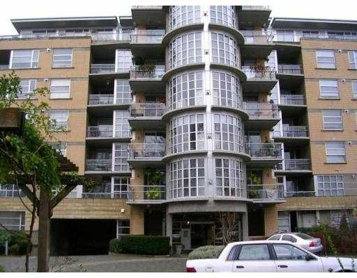 """Main Photo: 411 2655 CRANBERRY Drive in Vancouver: Kitsilano Condo for sale in """"NEW YORKER"""" (Vancouver West)  : MLS®# V739015"""