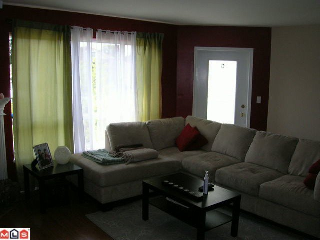 """Photo 5: Photos: 308 13680 84TH Avenue in Surrey: Bear Creek Green Timbers Condo for sale in """"THE TRAILS"""" : MLS®# F1014106"""