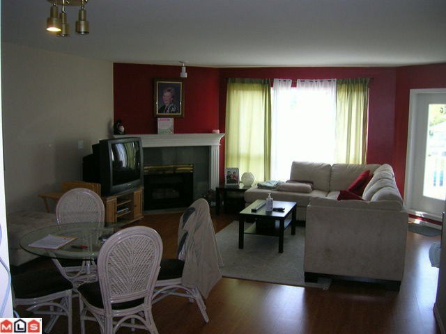 """Photo 4: Photos: 308 13680 84TH Avenue in Surrey: Bear Creek Green Timbers Condo for sale in """"THE TRAILS"""" : MLS®# F1014106"""