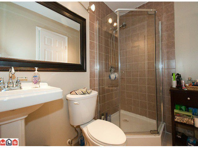 Photo 5: Photos: 104 10668 138TH Street in Surrey: Whalley Condo for sale (North Surrey)  : MLS®# F1028184