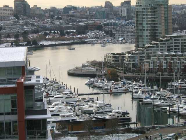 """Main Photo: 1707 918 COOPERAGE Way in Vancouver: False Creek North Condo for sale in """"MARINER"""" (Vancouver West)  : MLS®# V792475"""
