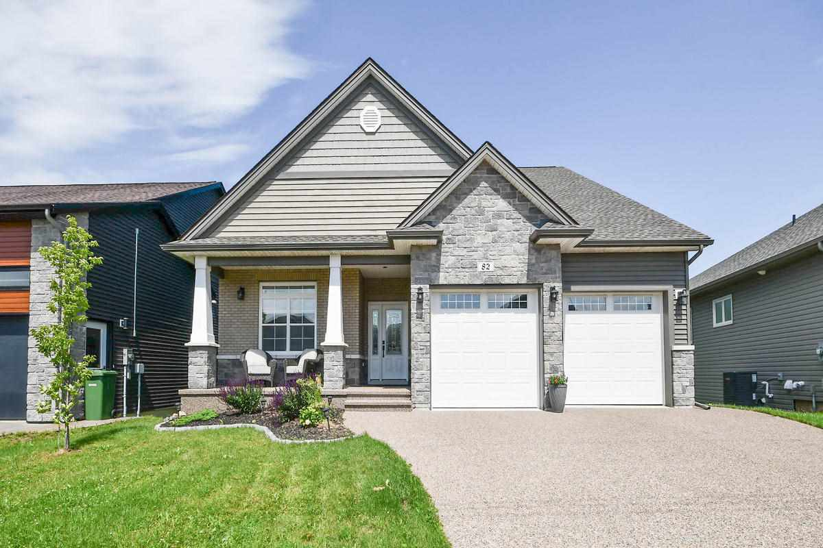 Main Photo: 82 Bradford Place in Bedford: 20-Bedford Residential for sale (Halifax-Dartmouth)  : MLS®# 202013747