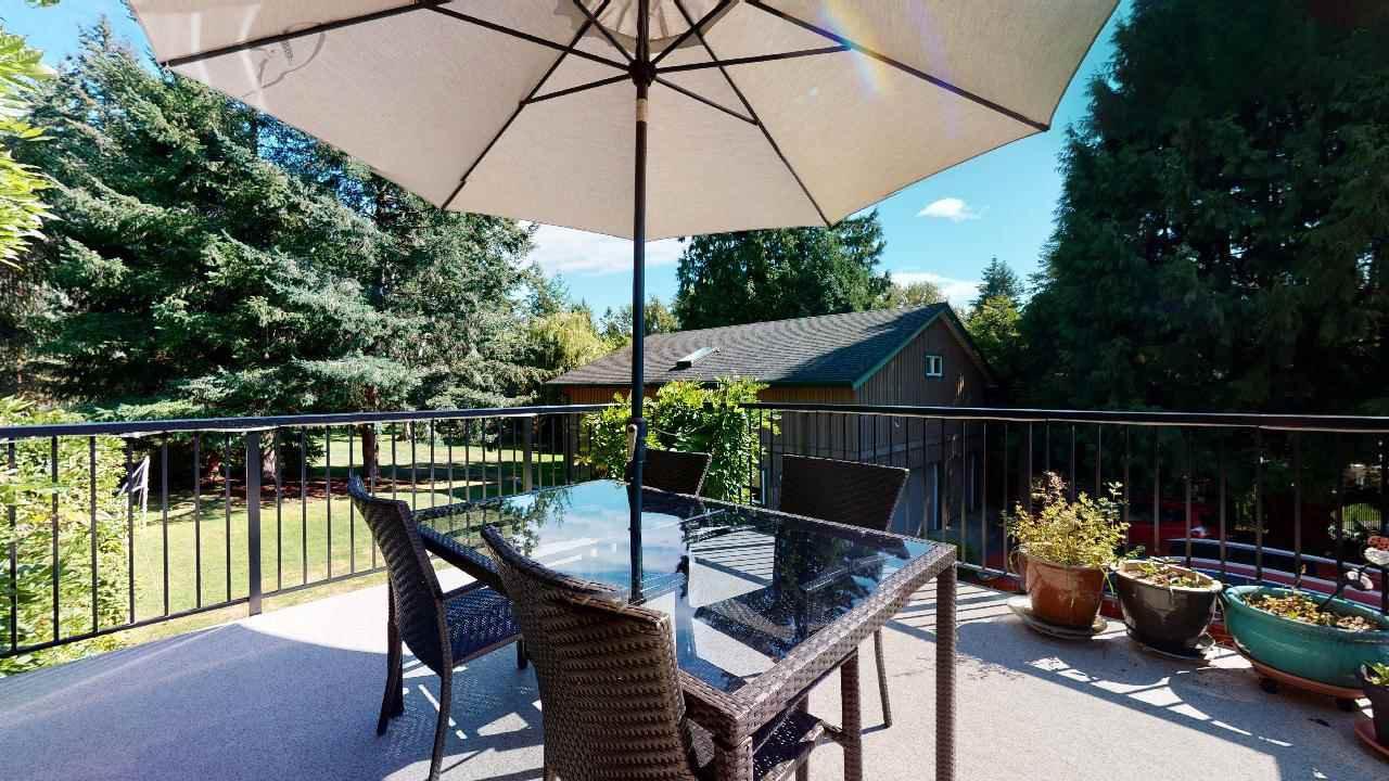 Photo 2: Photos: 5534 120 Street in Surrey: Panorama Ridge House for sale : MLS®# R2494689