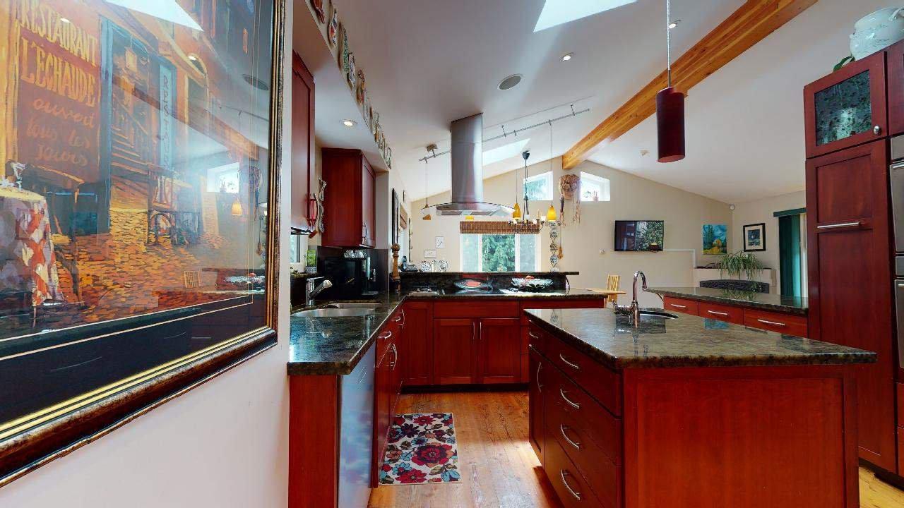 Photo 18: Photos: 5534 120 Street in Surrey: Panorama Ridge House for sale : MLS®# R2494689