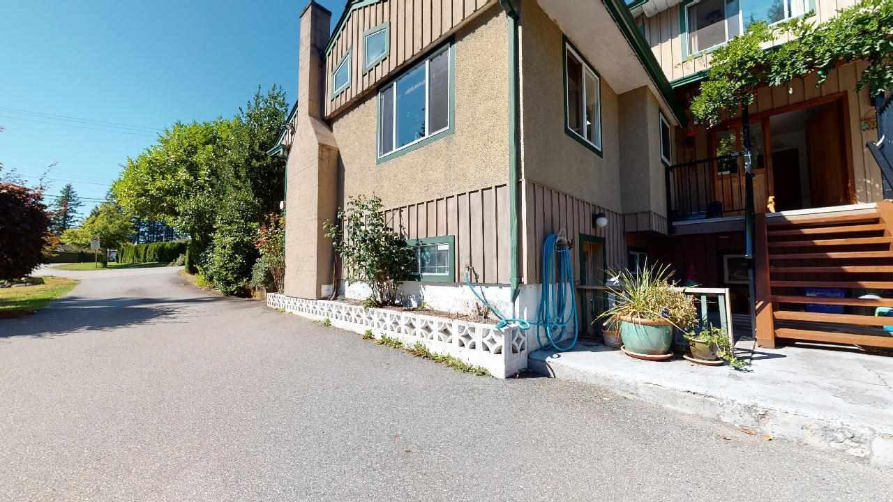 Photo 6: Photos: 5534 120 Street in Surrey: Panorama Ridge House for sale : MLS®# R2494689