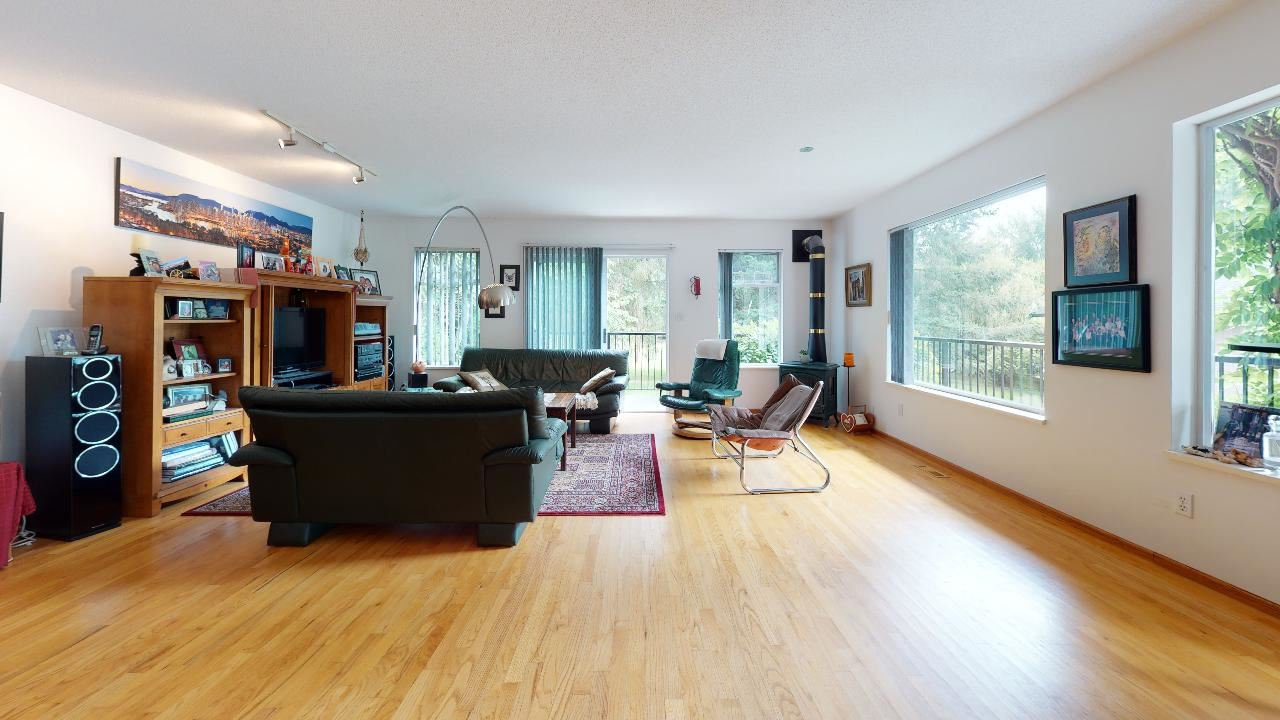 Photo 37: Photos: 5534 120 Street in Surrey: Panorama Ridge House for sale : MLS®# R2494689