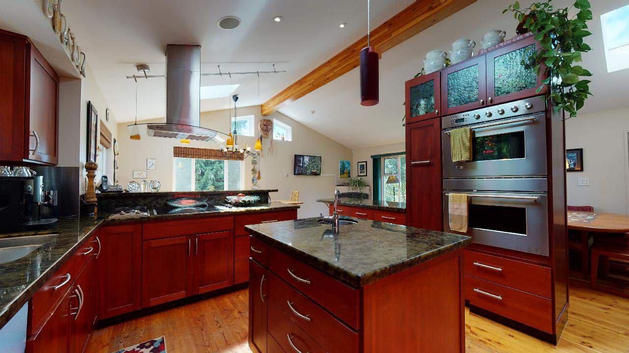 Photo 20: Photos: 5534 120 Street in Surrey: Panorama Ridge House for sale : MLS®# R2494689