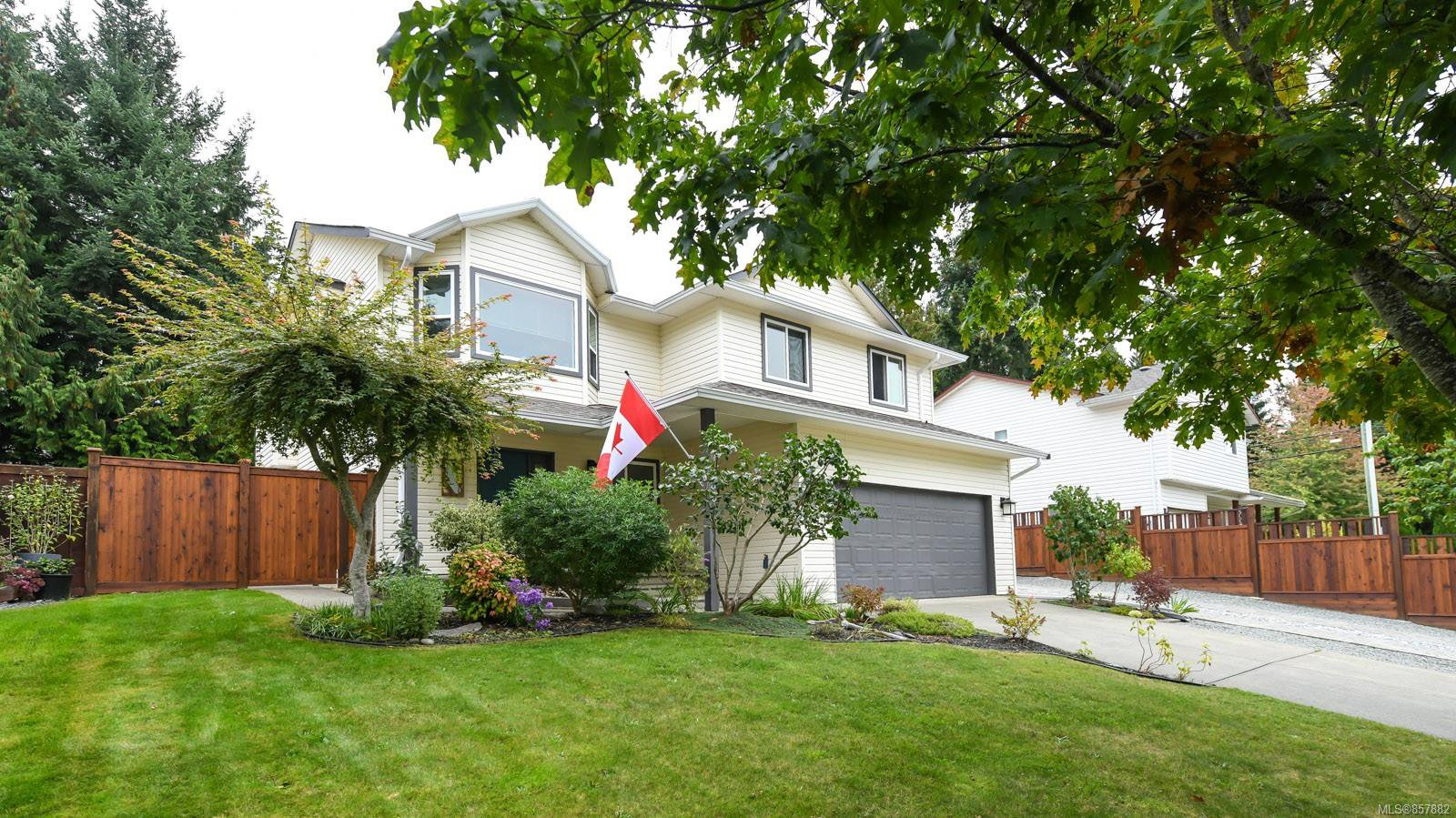 Main Photo: 2256 Walbran Dr in : CV Courtenay East House for sale (Comox Valley)  : MLS®# 857882