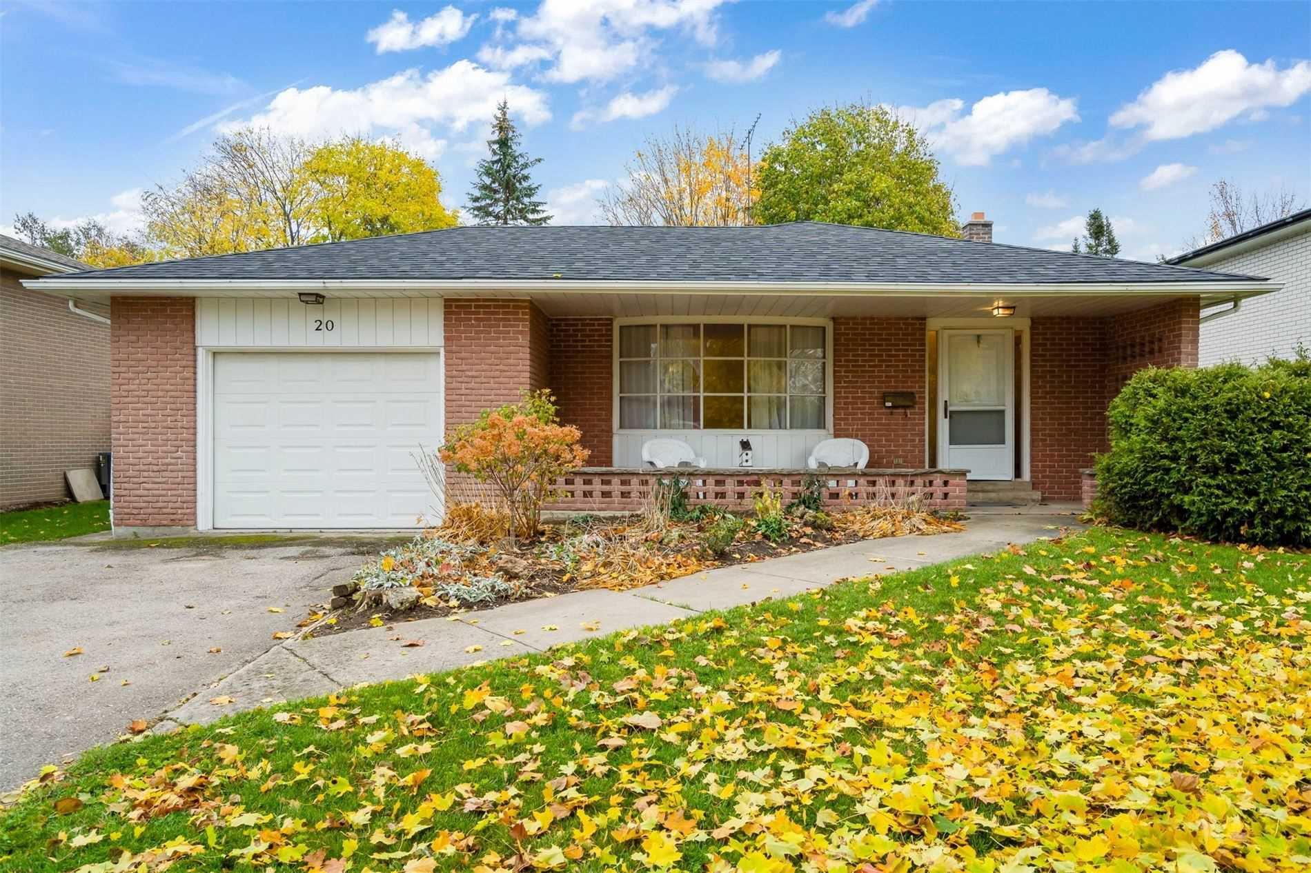 Main Photo: 20 Westdale Avenue: Orangeville House (Backsplit 4) for sale : MLS®# W4975087