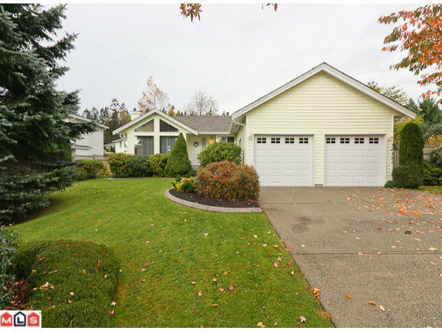 Main Photo: 14351 91A Avenue in Surrey: Bear Creek Green Timbers House for sale : MLS®# F1027434