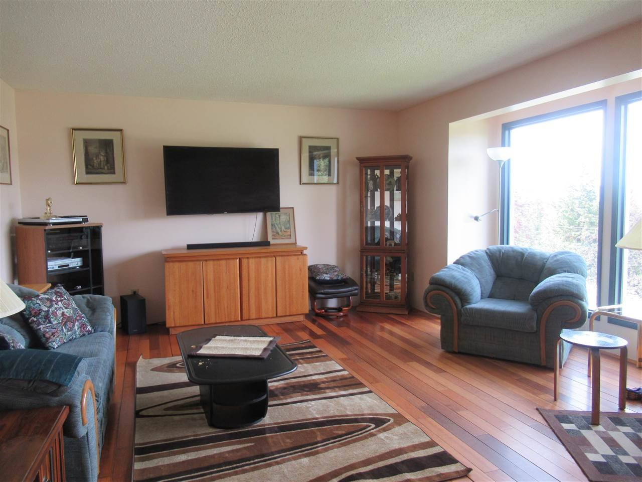 Photo 6: Photos: 607 ROBERTS Drive in Williams Lake: Esler/Dog Creek House for sale (Williams Lake (Zone 27))  : MLS®# R2391926