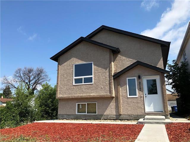 Main Photo: 217 Union Avenue West in Winnipeg: East Kildonan Residential for sale (3A)  : MLS®# 1922014