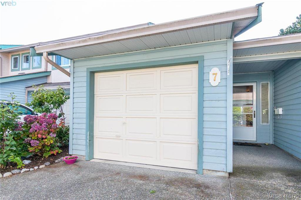 Main Photo: 7 515 Mount View Avenue in VICTORIA: Co Hatley Park Row/Townhouse for sale (Colwood)  : MLS®# 416179